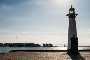 Søsportscentret og Feriehusene set fra Midtermolen.